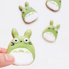 Green Totoro cookies.