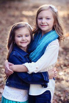 Family Photoshoot, Fall Photos, Family of four, Christmas photos, Family Shoot, Fall Colors.