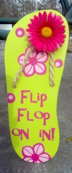 Flip Flop Sign by atmiles on Etsy, Beach Crafts, Summer Crafts, Decorating Flip Flops, Door Decorating, Decorating Ideas, Flip Flop Craft, Crafts To Make, Diy Crafts, Flip Flop Wreaths