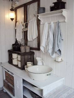 French house on pinterest provence provence france and french country - Badkamer retro chic ...