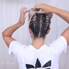 How to make Space Buns tutorial We like this hair style sooo badly😍 It's the best hairstyle for hot summer! Have you ever tried this hair style before?🤩🤩😌 Video from Hair Tutorials The post How to make Space Buns tutorial appeared first on Welcome! Box Braids Hairstyles, Summer Hairstyles, Cool Hairstyles, Travel Hairstyles, Braids With Curls, Braids For Short Hair, Hairstyles For Medium Length Hair Easy, Tight Braids, Medium Hair Styles