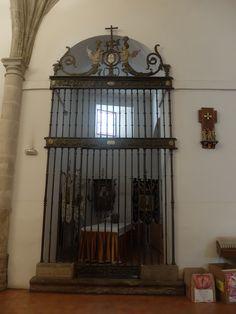 Antigua Capilla Bautismal. Reja plateresca 1676