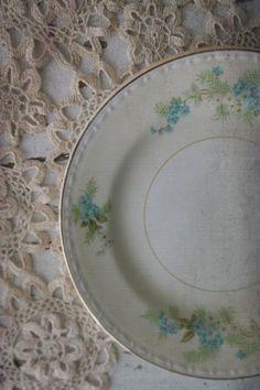 Homer Laughlin Eggshell Georgian China Plates. by 3vintagehearts
