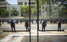 La Fiscalía federal solicitó al juez Pedro Delgado que prohíba a la defensa de tres exagentes estatales acusados por brutalidad policiaca durante un operativo en la barriada Morales de Caguas