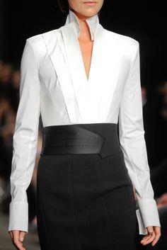 Donna Karan Fall 2012 Ready-to-Wear Fashion Show - Aymeline Valade White Fashion, Work Fashion, Fashion Details, Fashion Show, Fashion Design, College Fashion, Curvy Fashion, Fall Fashion, Fashion Trends
