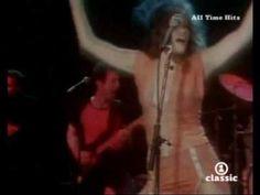 ▶ 1972 - Carly Simon - You're So Vain.mp4 - YouTube