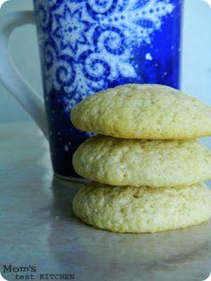 momstestkitchen: Southern Tea Cakes #SundaySupper