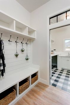 80 Modern Farmhouse Mudroom Entryway Ideas - Decorating Ideas - Home Decor Ideas and Tips Mudroom Laundry Room, Laundry Room Design, Mud Room Lockers, Built In Lockers, Mudroom Cubbies, Mudroom Cabinets, Wood Lockers, Laundry Storage, Coin Banquette