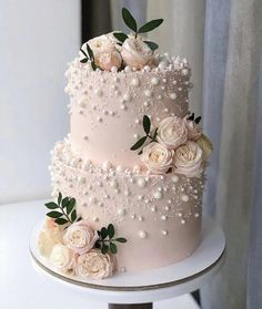 Elegant simple buttercream wedding cake design ideas – Page 5 Source by yesnicest ideas creative Floral Wedding Cakes, Elegant Wedding Cakes, Beautiful Wedding Cakes, Wedding Cake Designs, Beautiful Cakes, Wedding Cake Pearls, Wedding Cake Vintage, Wedding Cakes With Flowers, Wedding Cake Pink