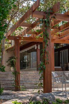Wood Pergola, Outdoor Pergola, Backyard Pergola, Pergola Plans, Backyard Landscaping, Pergola With Swings, Modern Pergola Designs, Design Exterior, Outdoor Restaurant
