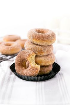 Donut Recipes, Healthy Dessert Recipes, Easy Desserts, Healthy Donuts, Delicious Donuts, Sweets Recipes, Brunch Recipes, Bread Recipes, Donuts Beignets