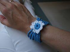 Het gehaakte sprookjesland: Bloemen-armbandjes haken. Jewlery, Crochet Necklace, Geluk, Workshop, Crocheting, Atelier, Jewerly, Schmuck, Work Shop Garage