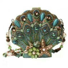 Detalhes sobre Mary Frances Handbag Seashore Hand Beaded Jeweled Sea Shell Bolsa Bolsa de Ombro - Purses and handbags - Bolsas Cheap Purses, Cheap Handbags, Purses And Handbags, Luxury Handbags, Cheap Bags, Spring Handbags, Luxury Purses, Guess Handbags, Spring Purses