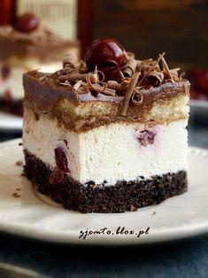 Other Recipes, Sweet Recipes, Cake Recipes, Mini Cakes, Cupcake Cakes, Polish Desserts, Romanian Desserts, Dessert Bread, Food Cakes