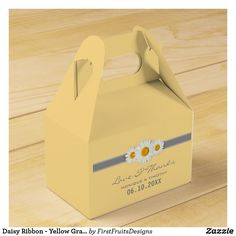 Daisy Ribbon - Yellow Gray & White Thank You Favor Box This sweet daisy and ribbon design features a gray ribbon, and three sweet daisies. Fresh, stylish, and bright, in this yellow, gray, and white theme.