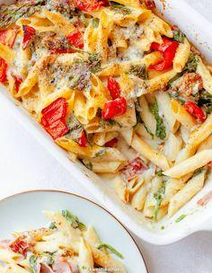 Zapiekanka makaronowa ze szpinakiem i gorgonzolą Penne, Vegetable Pizza, Tart, Chili, Spaghetti, Vegetables, Cooking, Dinners, Recipes