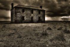 Old creepy house | creepy house a creepy old deserted house creepy house on black