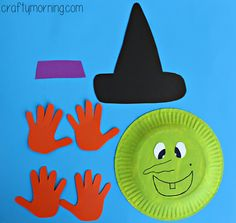 Learn how to make a paper plate witch craft for kids using their handprints as the hair! Its the perfect halloween art project for them to make. halloween crafts for kids Halloween Art Projects, Halloween Activities For Kids, Halloween Books, Halloween Labels, Women Halloween, Halloween Halloween, Vintage Halloween, Halloween Pumpkins, Halloween Makeup