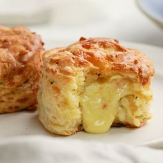 Savoury Biscuits, Savory Scones, Flavored Butter, Butter Recipe, Flour Recipes, Cooking Recipes, Chopped Cheese, Cheese Scones