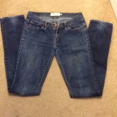 """Abercrombie Skinny Jeans, great condition! Abercrombie skinny jeans, very good condition.  Only flaw is slight fading on the back of each pant leg (pictured) other than that these pants are in great condition size 2L 33"""" inseam Abercrombie & Fitch Jeans Skinny"""