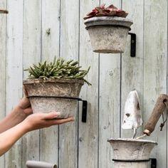 Jak jsme stavěli venkovní kuchyň | Svět pod střechou - Vintage a provence dekorace do bytu Provence, Planter Pots, Patio, Instagram, Aix En Provence, Terrace