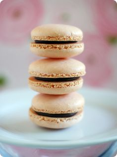 simple macarons....yes, you can make them! {recipe & tips} :: Mad for Macarons!