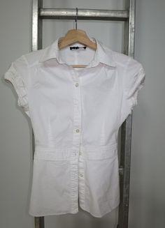 A vendre sur #vintedfrance ! http://www.vinted.fr/mode-femmes/blouses-and-chemises/15805256-joli-chemisier-blanc-asos-t34