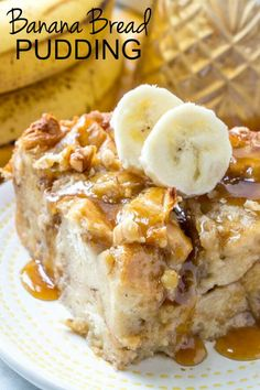 Warm, gooey and full of banana bread flavor this Banana Bread Pudding is a fun and easy breakfast or dessert treat that is hard to resist! Desserts Banana Bread Pudding {An Easy and Delicious Breakfast Recipe} Dessert Simple, No Bake Desserts, Easy Desserts, Crock Pot Desserts, Banana Pudding Recipes, Caramel Pudding, Banana Bread Puddings, Easy Bread Pudding, Best Banana Bread Pudding Recipe