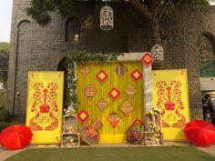 Decor Concepts By Wedding Planners In Delhi That Are Drool-worthy Desi Wedding Decor, Diy Wedding Backdrop, Home Wedding Decorations, Wedding Mandap, New Years Decorations, Kite Decoration, Backdrop Decorations, Backdrops, Flower Decorations