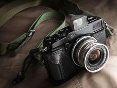 ボディ:FUJIFILM X-Pro1   カメラケース:リコイル Grip style/Jacket case(試作品)  ストラップ:HOPE FReCS PRO(vic2)