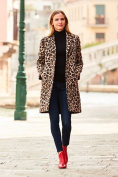 Leopard Print Outfits – Timeless Trend act. - Leopard Print Outfits – Timeless Trend activation Source by Tabysstyle - Leopard Print Outfits, Leopard Print Jacket, Animal Print Outfits, Leopard Coat, Leopard Fashion, Animal Print Fashion, Leopard Cardigan Outfit, Animal Print Jeans, Leopard Prints