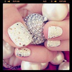 sparkle white/silver nails