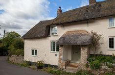 Drenched in history and charm Kites Holt is a 500 year old Grade II listed Medieval Hall House that sits . Country Breaks, Country Walk, Hall House, River Cottage, Cathedral City, Open Fires, Underfloor Heating, Short Break, Kites