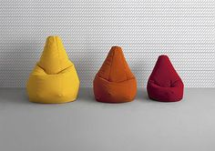 El asiento icónico más informal y más versátil nunca, actualmente disponible en tres modelos, es la oferta ideal para un regalo bajo muestra del diseño.Un símbolo de los años 60, de que se ha convertido en un icono del estilo de Zanotta en más...