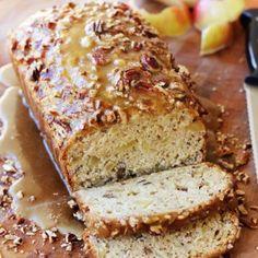 Pecan Cheesecake Squares Quick Bread Recipes, Apple Recipes, Baking Recipes, Dessert Recipes, Cheesecake Recipes, Desserts, Apple Praline Bread, Best Pecan Pie, Pecan Cheesecake Squares