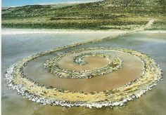 Spiral Jetty, the most famous of all earth art pieces, is considered to be the masterpiece of American sculptor Robert Smithson, is the name of an earthwork sculpture built in 1970 Land Art, Robert Smithson, Growth And Decay, The Masterpiece, Environmental Art, Pictures To Paint, Sacred Geometry, Art Google, Art And Architecture