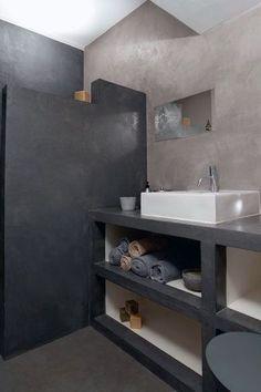 Du béton ciré pour une salle de bains harmonieuse: