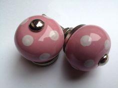 028 roze met witte stippen kastknop 2,5 cm