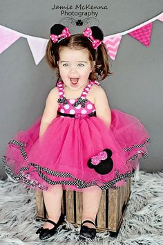 Hot Pink Minnie Mouse Tutu Dress In Black and White by SCbydesign Minnie Mouse Theme, Mickey Mouse Shirts, Pink Minnie, Mickey Mouse Dress, Minnie Birthday, Girl Birthday, Birthday Tutu, Little Princess, Princess Tutu