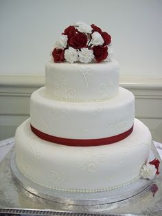 Rose and carnation wedding cake - Made August 2011