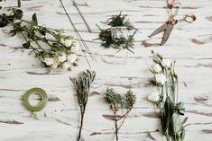 interflora-diy-floral-head-comb-4 Corsage Wedding, Wedding Headband, Bridal Hair, Diy Flowers, Flowers In Hair, Flower Hair, Floral Wedding, Wedding Flowers, Gold Wedding