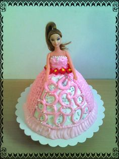 Doll/Barbie cake with piped marshmallow icing