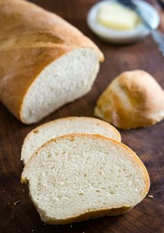 6 Ingredient Simple Classic Italian Bread Recipe Homemade bread doesn't have to be hard or take all day. This Classic Italian Bread recipe uses on Crusty Italian Bread Recipe, Italian Bread Recipes, Easy Bread Recipes, Snack Recipes, Cooking Recipes, Snacks, Italian Country Bread Recipe, Shrimp Recipes, Turkey Recipes