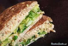 Avocado and Tuna Sandwich # Easy Recipes # Sandwiches … Tuna Sandwich Recipes, Healthy Sandwiches, Picnic Sandwiches, Finger Sandwiches, Breakfast Sandwiches, Hamburgers, Junk Food, Food Food, Wallpaper Food