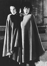 Tilly Losch and Lotte Lenya as Anna II and Anna I, from the original production, Paris, 1933. Die Sieben Todsunden