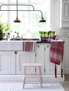 Inspiring Scandinavian Christmas Decorating I - http://yourhomedecorideas.com/inspiring-scandinavian-christmas-decorating-i/ - #home_decor_ideas #home_decor #home_ideas #home_decorating #bedroom #living_room #kitchen #bathroom #pantry_ideas #floor #furniture #vintage #shabby