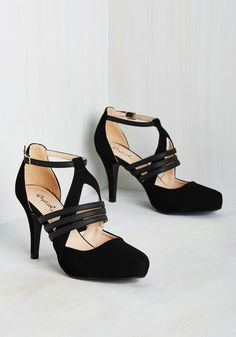Sizzlin' Steps Heel in Noir. You like your footwear to be a bit flirty, a bit fun, and a whole lot fabulous. #black #modcloth