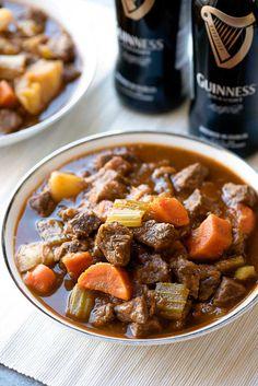 Stovetop Beef and Guinness Stew! Pan-seared beef and bacon are  Mein Blog: Alles rund um Genuss & Geschmack  Kochen Backen Braten Vorspeisen Mains & Desserts!