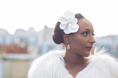 Fascinator Crocus – accessoire de coiffure de mariage – fleur de cuir – peigne - Sautoir et Poudrier par SautoirEtPoudrier sur Etsy https://www.etsy.com/fr/listing/220520283/fascinator-crocus-accessoire-de-coiffure