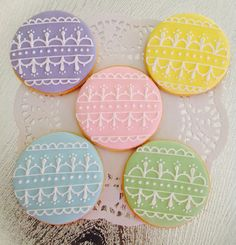 Pretty lace cookies